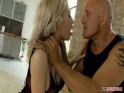 Sa soeur veut baiser avec un préservatif video