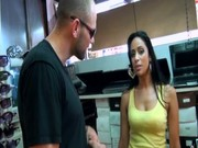 Lubrique adolescent âge légal cuisinier se butin baisée sur le comptoir de cuisine