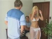 Tara blanc joue avec fucktoys lourdes