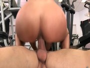 Video porno elle le suce papa quand il dort a coté de maman