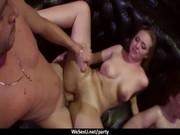 Sexuelle romantique adolescent servitude lesbiennes