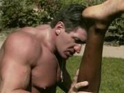 Slim levrette a plat ventre porno