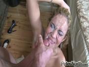 Femmes 55 ans qui se déshabille en direct